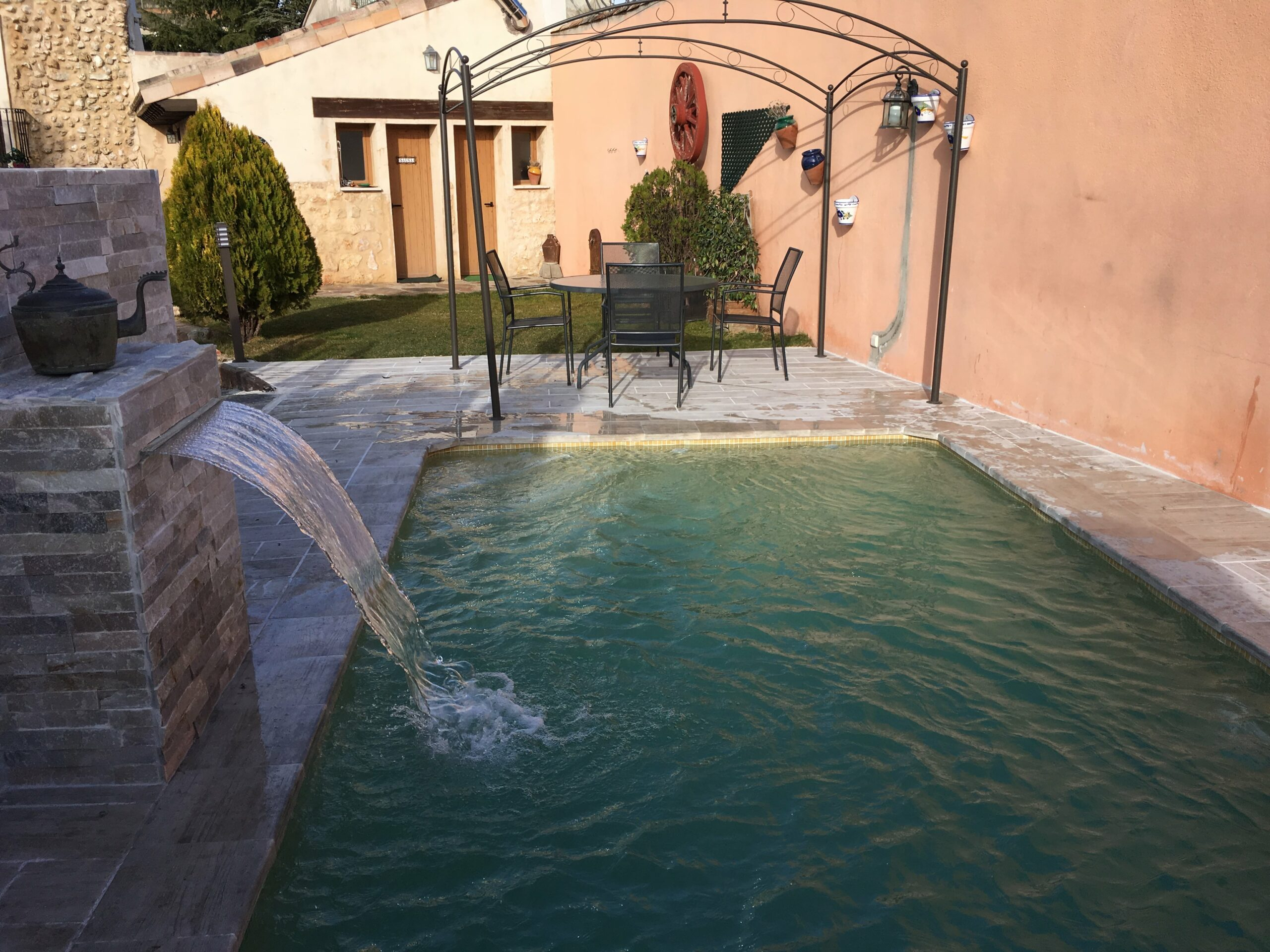 IMG 00351 min 1 scaled - Casa rural con piscina